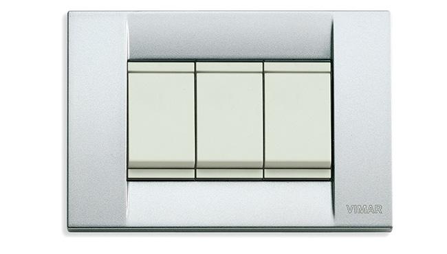 Vimar_Serie Idea in metallo color argento