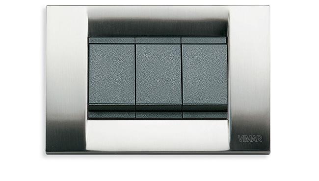 Vimar_Serie Idea in metallo color nichel spazzolato