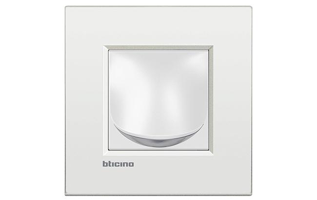 BTicino_segnapasso livinglight bianco_r