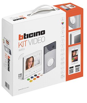 bticino_3-kit-con-linea-3000-e-videocitofono-classe-300