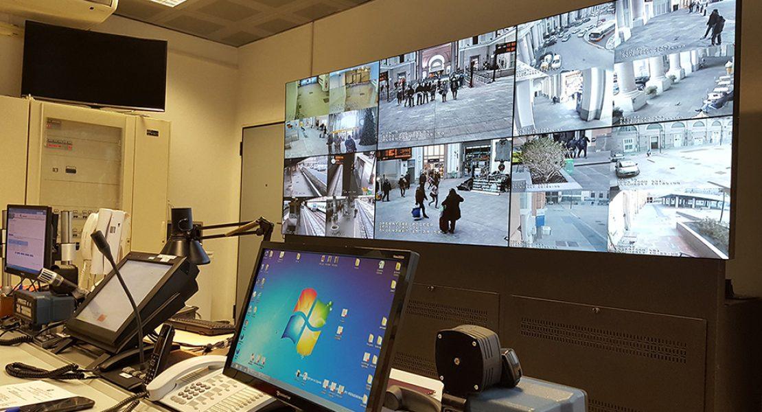 I display Panasonic al servizio della Polizia Ferroviaria