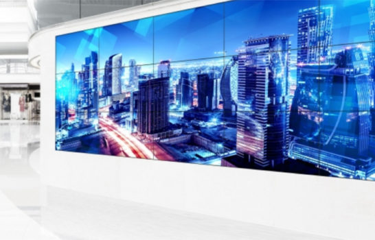Schermi ShadowSense Panasonic, sei modelli touch-screen pronti per il videowall