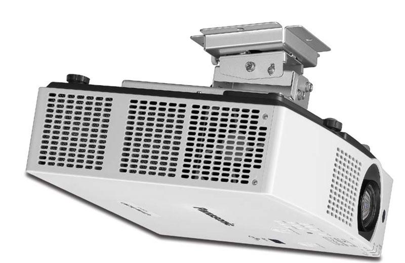 I nuovi vpr Panasonic Serie VMZ assicurano un'alta luminosità in chassis di dimensoni e peso contenuti.