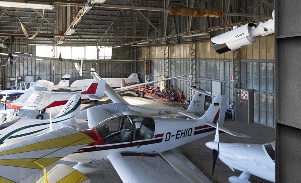 Elvox Aeroporto Pavullo - hangar