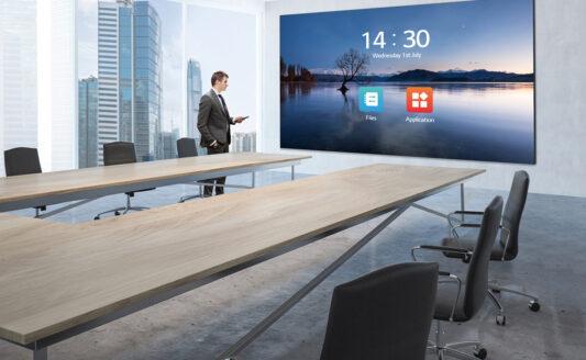 LG LED SCreen 136